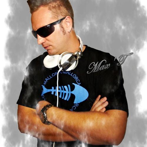 njoymax's avatar