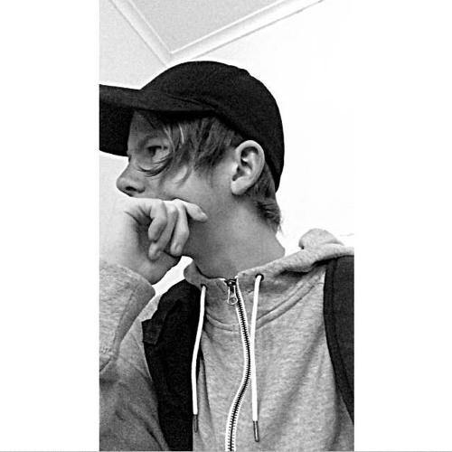 Ash Shep's avatar