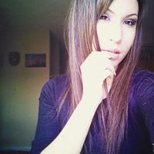 Tia Coyen's avatar