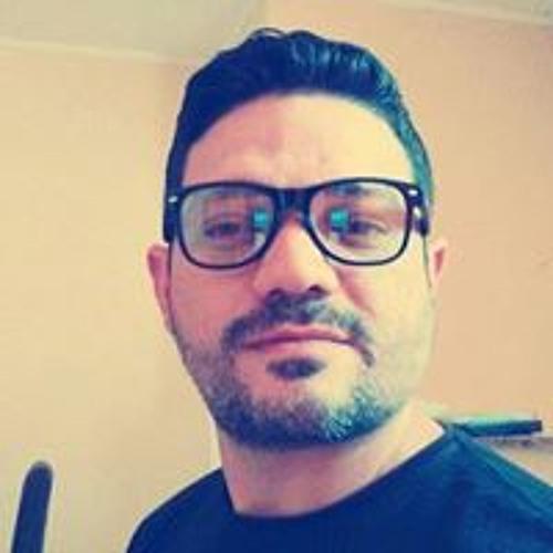 Daniel Almeida's avatar