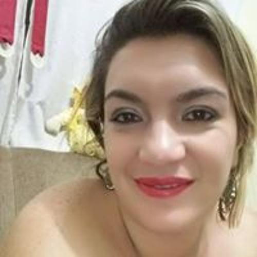 Renata Carvalho's avatar