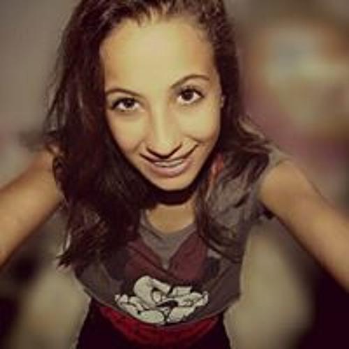Lia Nascimento's avatar