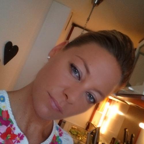 Ivonne Breuer's avatar
