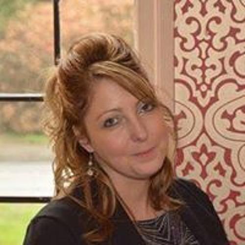 Ruth Lewis's avatar