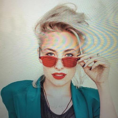 Samantha Urbani's avatar