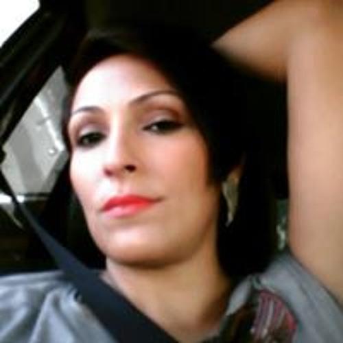 Karine Sarmento's avatar