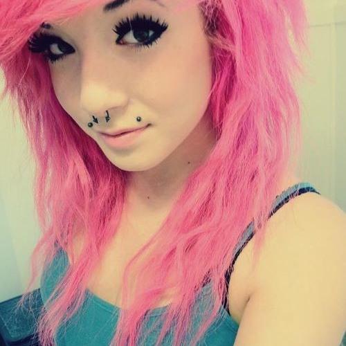 elle [I follow back ;)]'s avatar