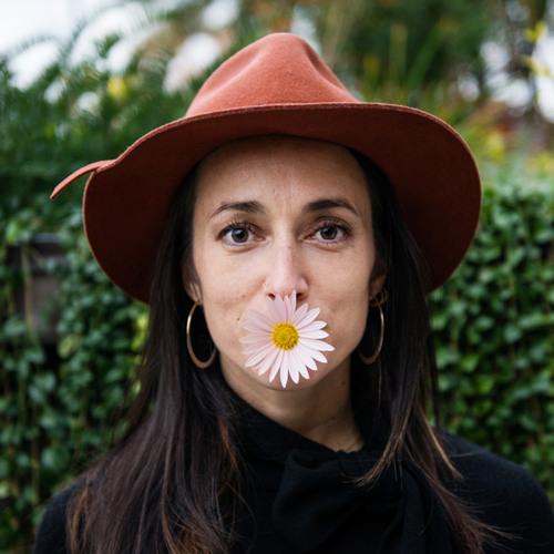 Aarona Ganesan's avatar