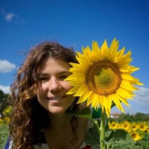 Luciana Almeida's avatar