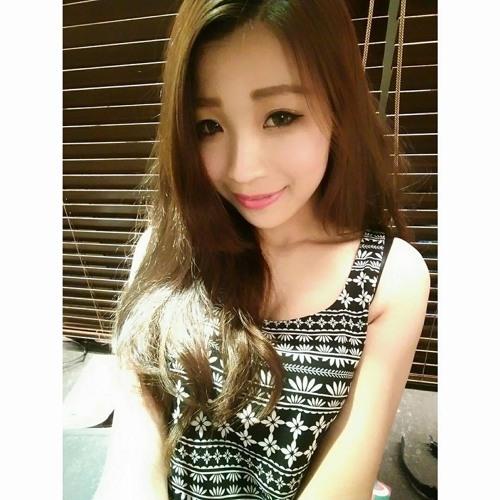 Mina Hu's avatar
