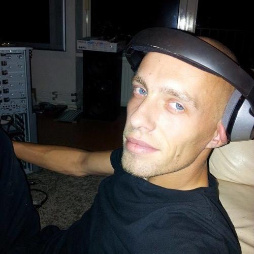 .SyBjûH's avatar