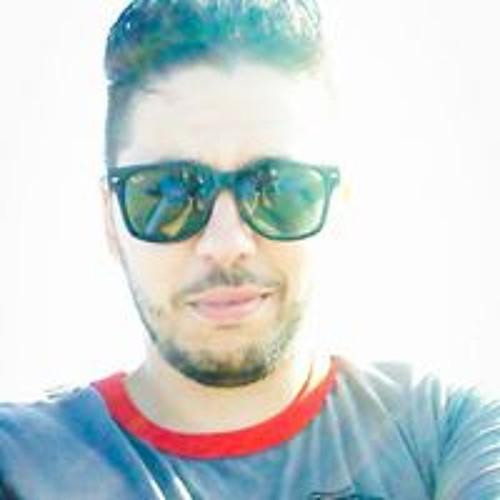 Luan Belloni's avatar