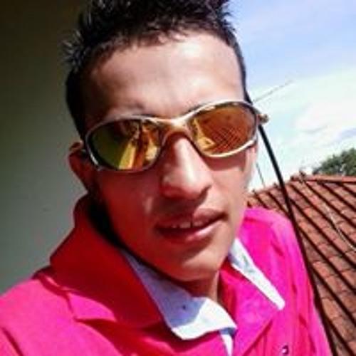 GuIi Elnz's avatar