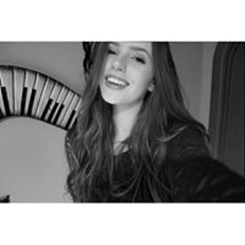 April Letourneau's avatar