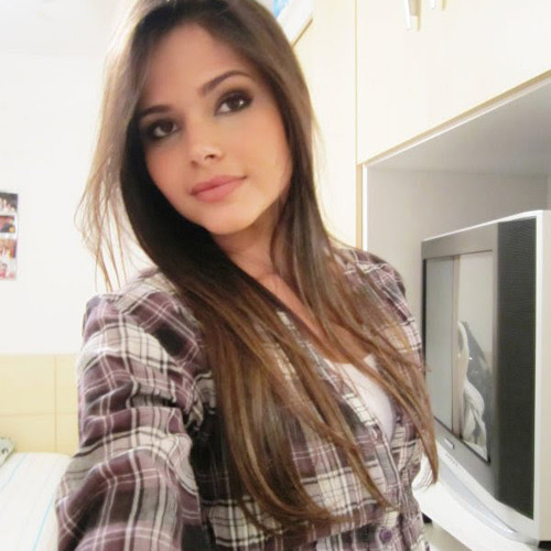 "Vanessa Lopes ""-""'s avatar"
