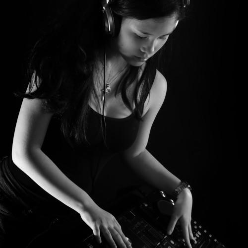 DJ Blanca's avatar