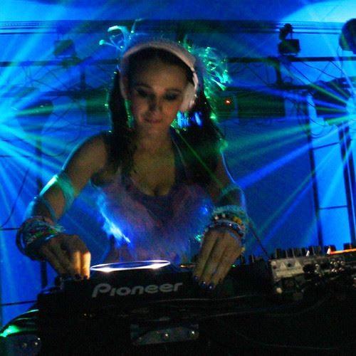 Karina Marecos's avatar