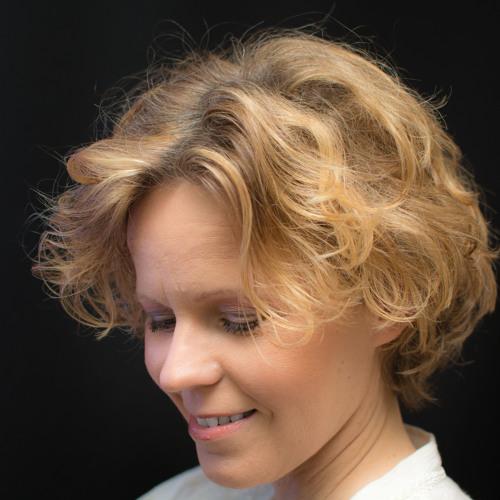 jeanette serrat's avatar