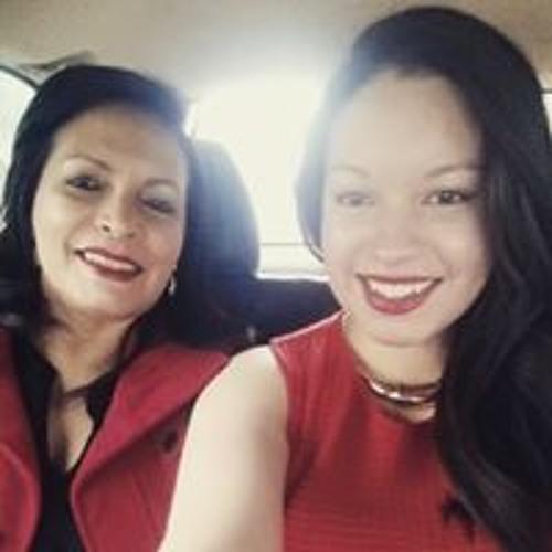 Adriana Sanchez's avatar