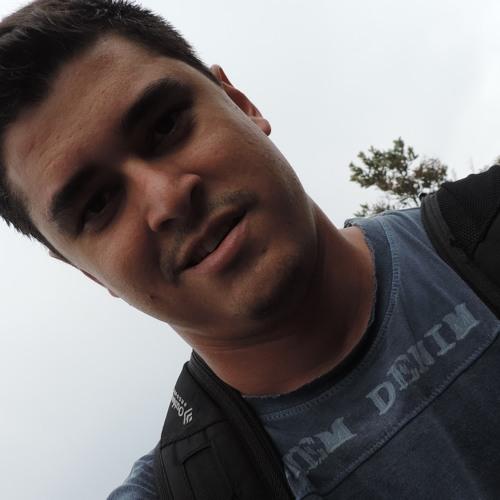 leoncama's avatar