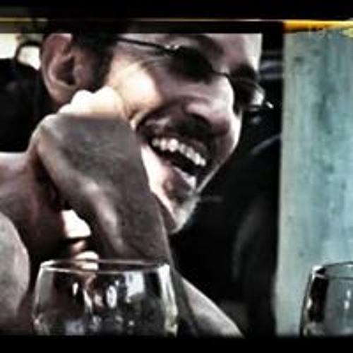 Pio Edison Pio's avatar