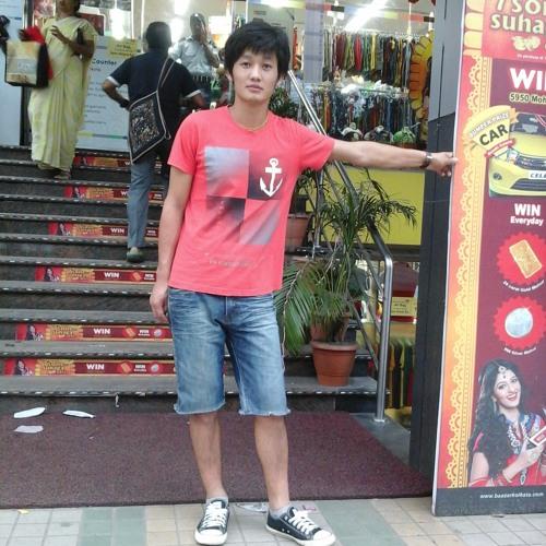 Lovezang Yoopa's avatar