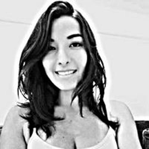 Ana Carolina Ribeiro's avatar