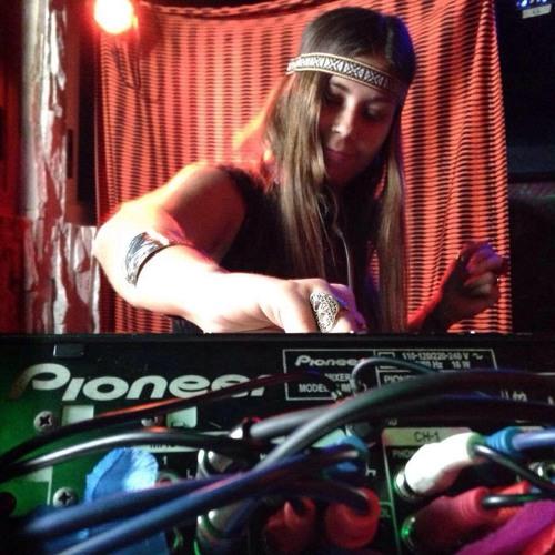 Nanda Picorelli's avatar