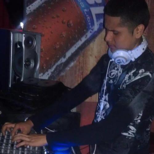 DJ Carloss Mixx's avatar