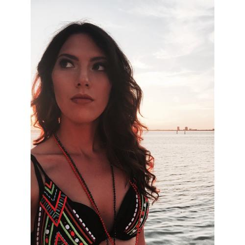 Diana Englizian Gaita's avatar