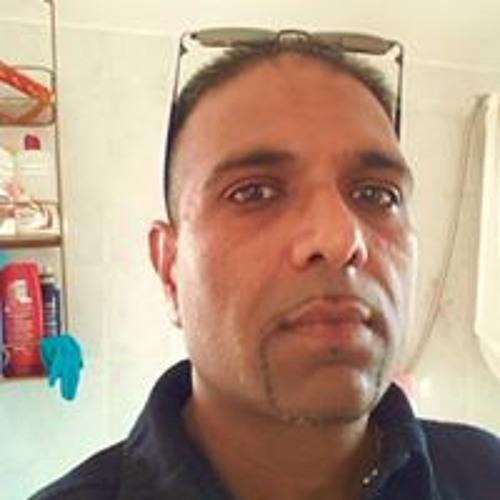 Rupinder Suri's avatar