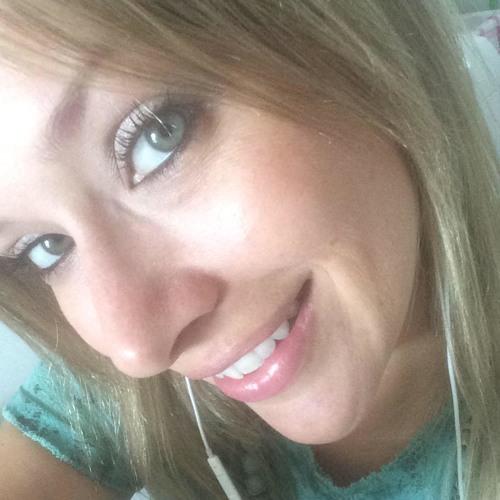 Carol Bajarunas's avatar