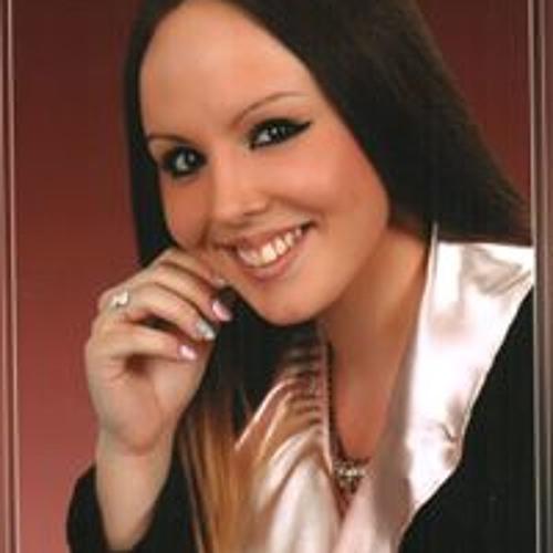 Lénárt Nikolett's avatar