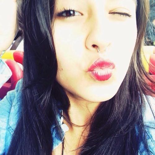 Ana Carolina Jascziczin's avatar