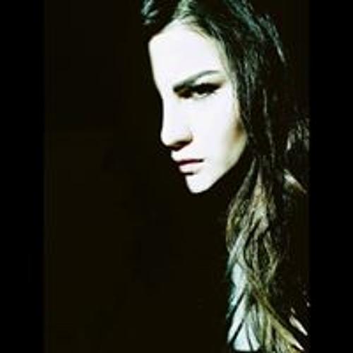 Jenn Ac's avatar