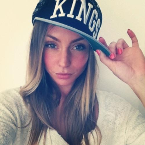 Natalie Cologne's avatar