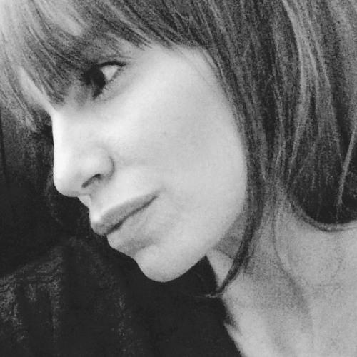 Julie Wilson 25's avatar