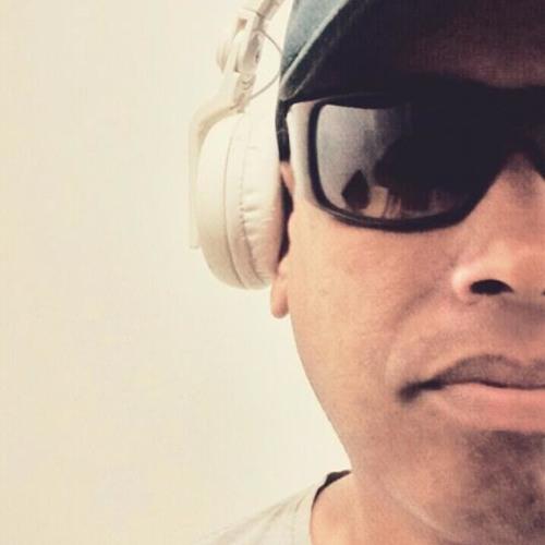 Anderson DJ vix's avatar