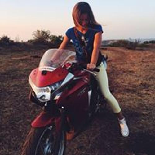 Natalya Karayani's avatar