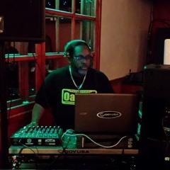 DJ Oakie E