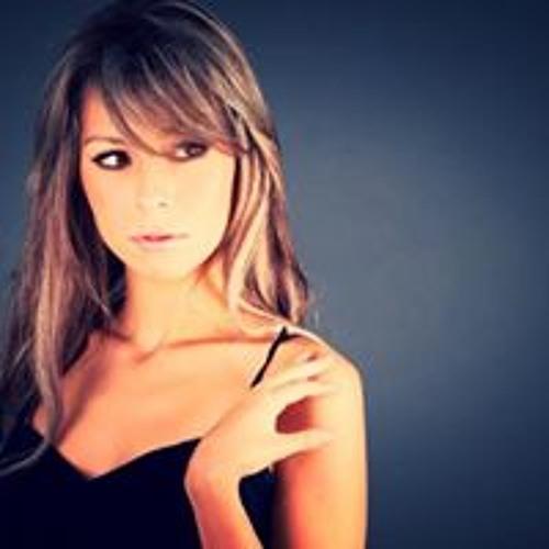 Lore Quirarte's avatar