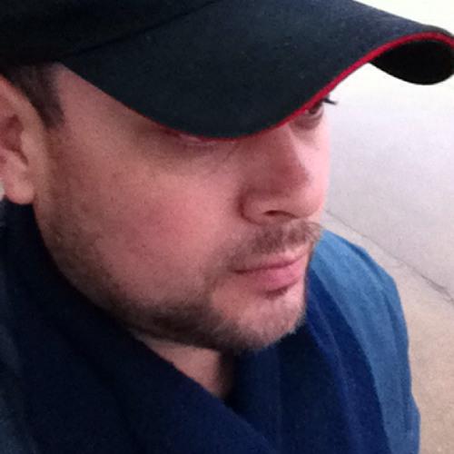Douglas Quimairb's avatar