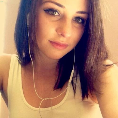 Nicolette Cseuscsik's avatar