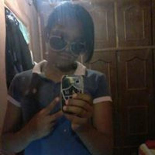 Stefany Milene's avatar