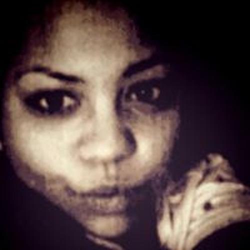 Emma Louiise's avatar