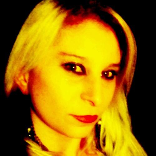 Miss Daniah's avatar