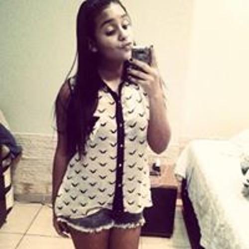 Julia Gomes 32's avatar