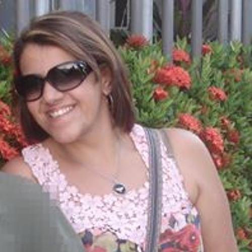Elaine Pinheiro's avatar