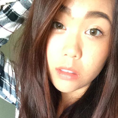 Momo Thatsit's avatar