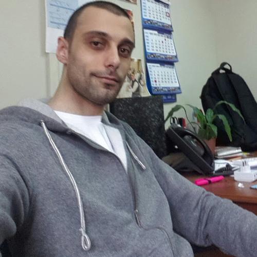 Hanna Naoum's avatar